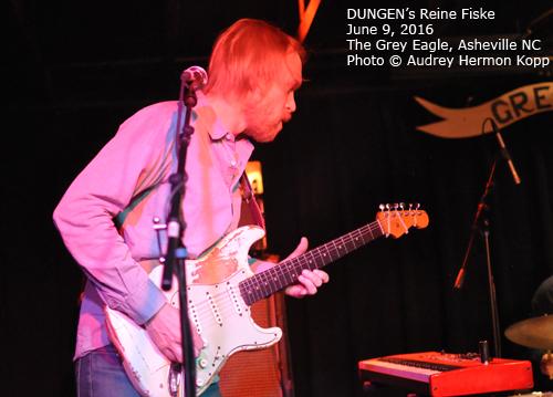 dungen_guitar